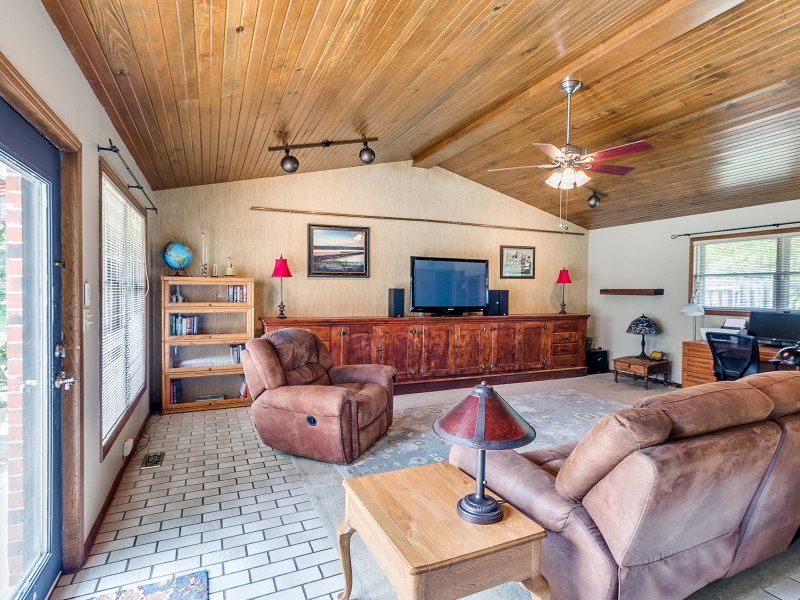 14-beckley-family-room-1