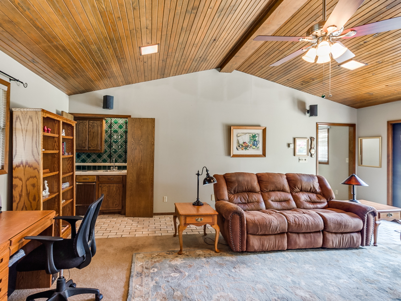 14-beckley-family-room-3