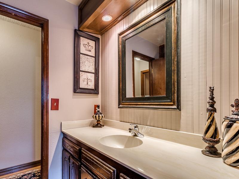 14-beckley-hall-bathroom-1