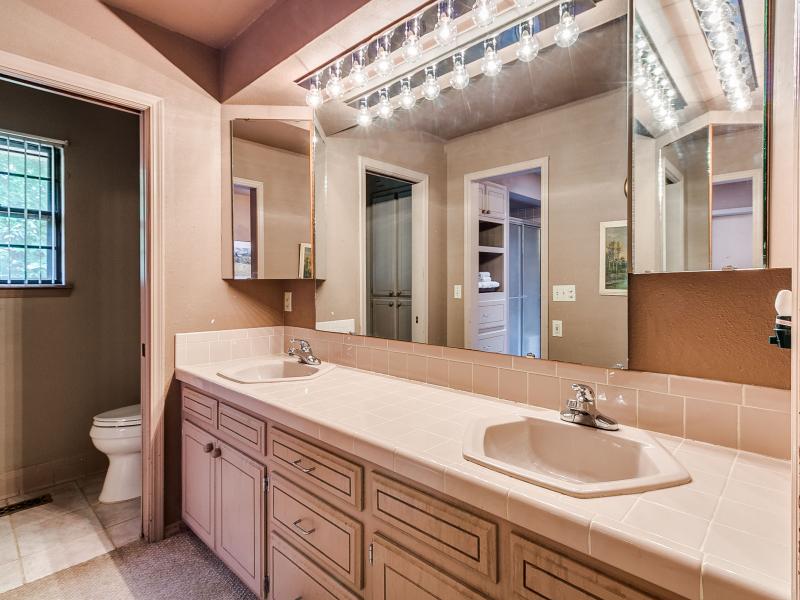 14-beckley-master-bathroom-1