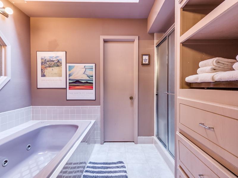 14-beckley-master-bathroom-2