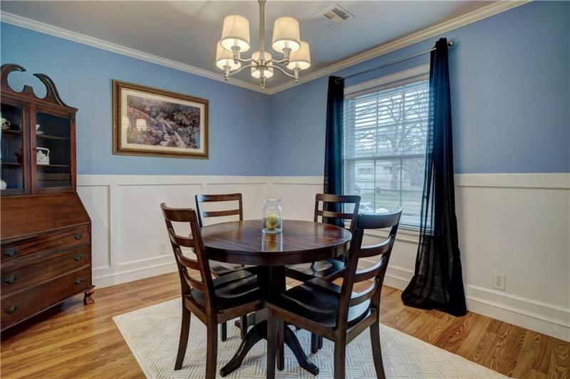 1810-dougherty-drive-shawnee-ok-formal-dining-room