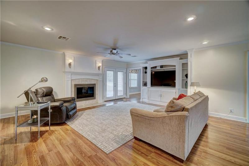 1810-dougherty-drive-shawnee-ok-living-room