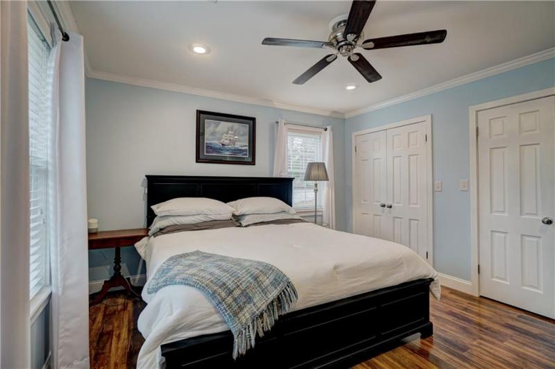 1810-dougherty-drive-shawnee-ok-master-bedroom