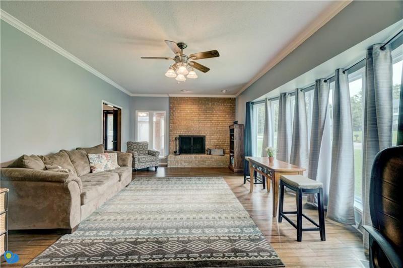 2-turkey-knob-shawnee-ok-formal-living-room