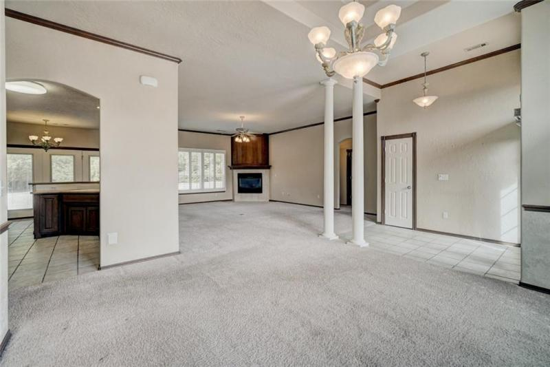 4408-lilly-valley-shawnee-ok-dining-room-living-room
