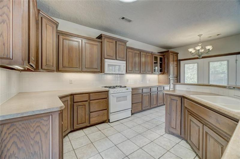 4408-lilly-valley-shawnee-ok-kitchen