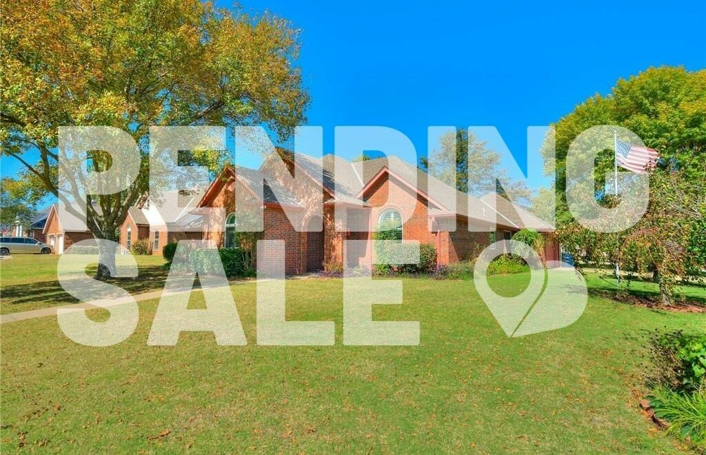 2 Brentwood Pl, Shawnee, OK is pending sale