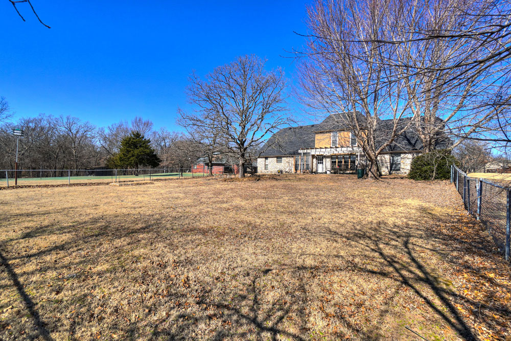 8 Cedar Creek Dr, Shawnee, OK