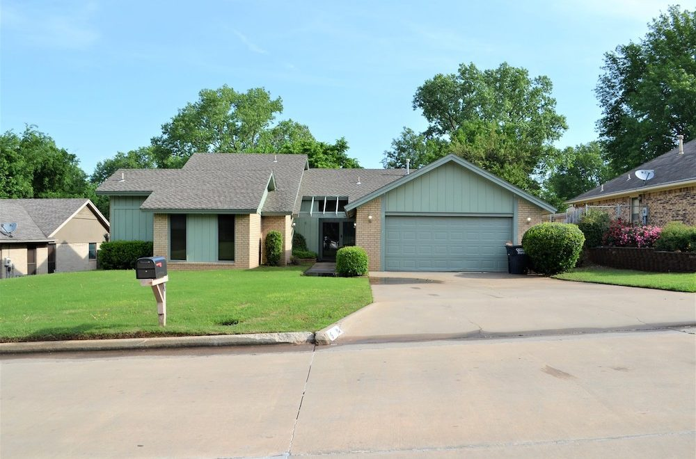 6 Janeway Place, Shawnee, OK 74804 - front view from the street