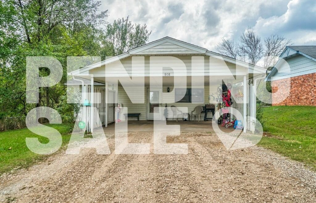 808 E Walnut, Tecumseh, OK is pending sale